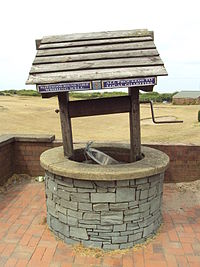 Fleetwood_round_table_wishing_well_-_DSC06564